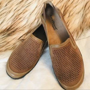 NWOT Earth Origins Tan Leather Shoes